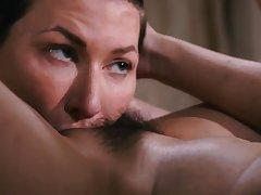 Naughty masseuse Jade Kush rubs plus licks her clients pussy