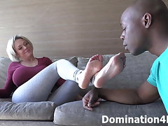 Worshiping Mistress Goldie's soft feet