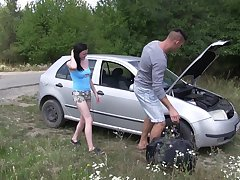 Outdoors quickie with natural tits obscurity girlfriend Kiara Gold