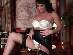 Big mature Leah drops her panties to play on the sofa. HD