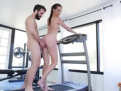 Sofie Marie likes steadfast sex at the gym with her handsome trainer