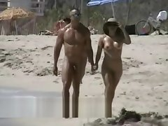 Lovebirds rejoice on a sunny eavesdrop beach hidden cam video