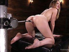 Oiled up bitch Mona Wales gets the brush pussy slammed down crazy fucking gadget