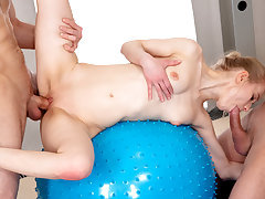 18 Videoz - Ronny, Lightfairy - Sex orchestra with yoga teeny