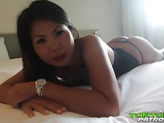 Amateur Thai chick Mina is fucked by horny migrant in hot POV video